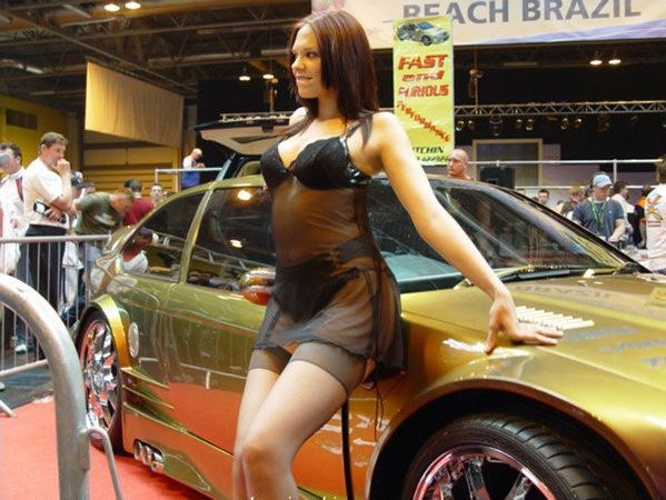 Pretty girls and exhibitions - 04