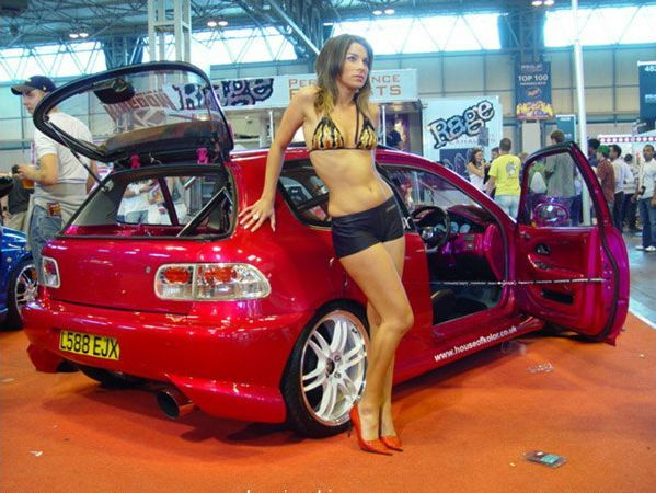 Pretty girls and exhibitions - 05