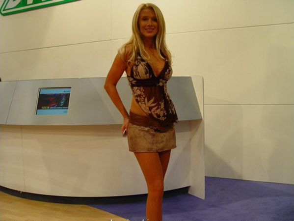 Pretty girls and exhibitions - 08