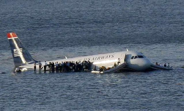 Plane Crash in New York - 01