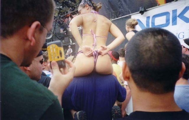 Topless girls on the concerts and festivals - 12