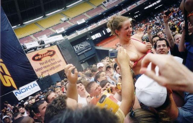 Topless girls on the concerts and festivals - 64