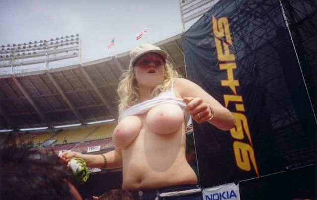Topless girls on the concerts and festivals - 84