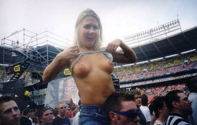 Topless girls on the concerts and festivals - 85