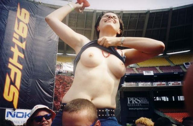 Topless girls on the concerts and festivals - 89