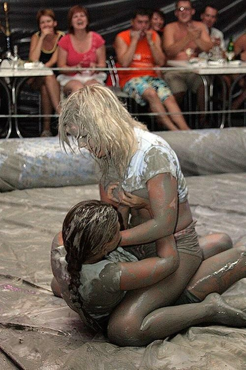 Ukrainian girls mud fight - 04