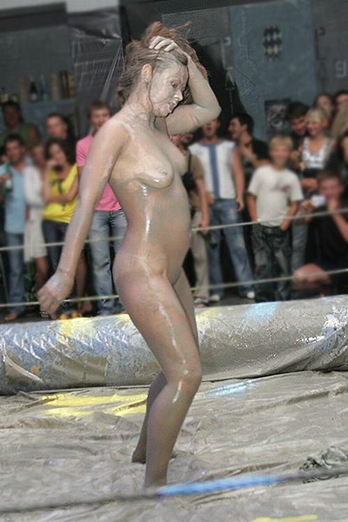 Ukrainian girls mud fight - 08