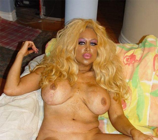 New Pamela Anderson - 02