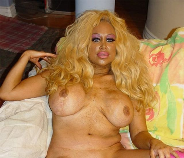 New Pamela Anderson - 03