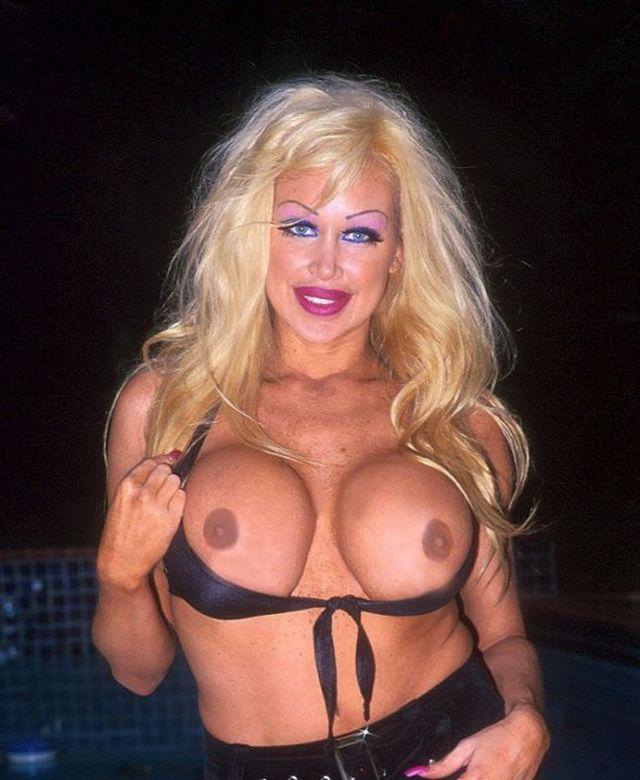 New Pamela Anderson - 05