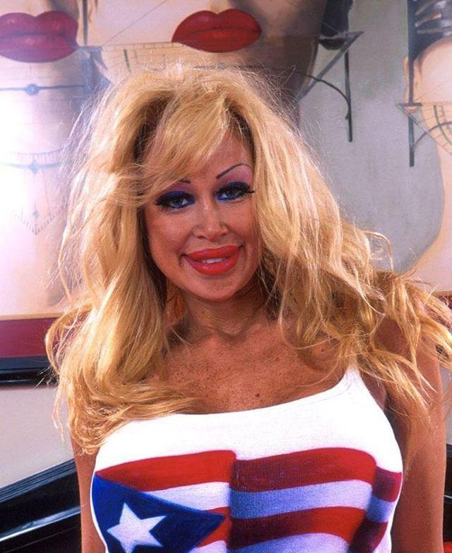 New Pamela Anderson - 08