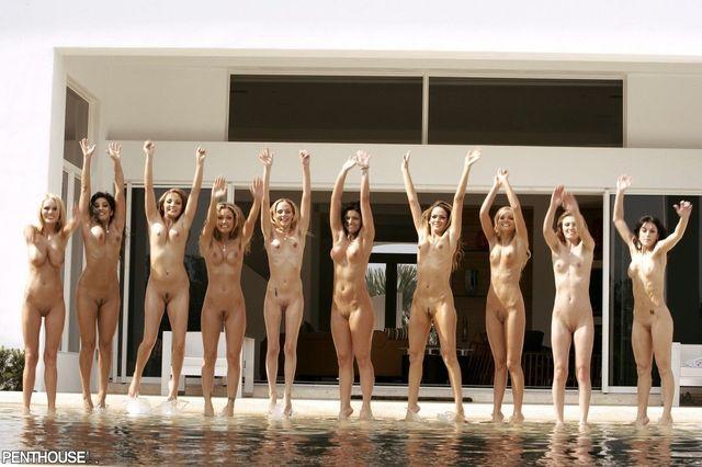 Hot babes posing nude - 07