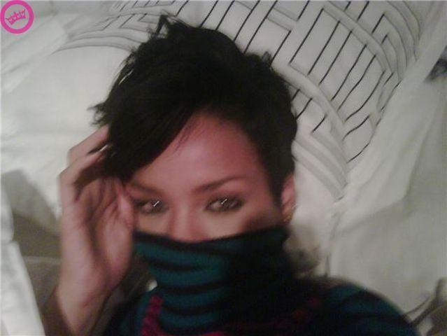 Rihanna nude self-shot photos - 01