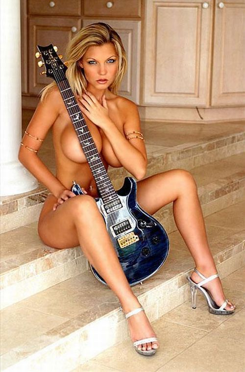Sexy girls with guitars - 01