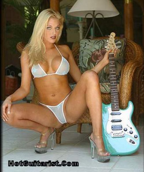 Sexy girls with guitars - 03
