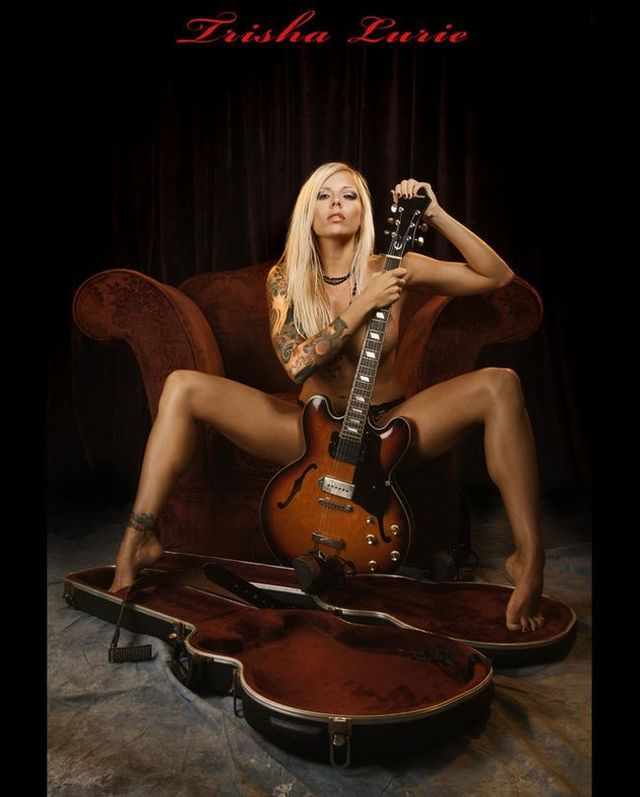 Sexy girls with guitars - 05