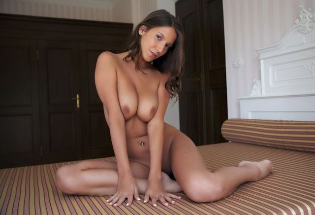 This girls attracts attention as a powerful magnet - 08