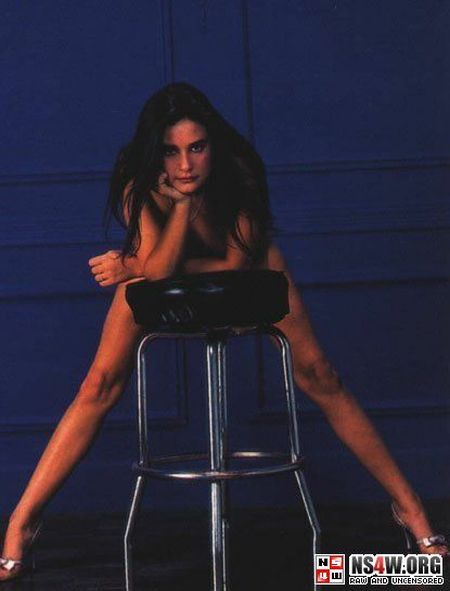 Demi Moore nude photo shoot at 18yrs old - 03