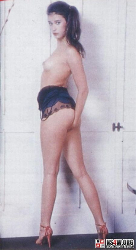 Demi Moore nude photo shoot at 18yrs old - 04