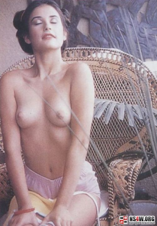 Demi Moore nude photo shoot at 18yrs old - 06