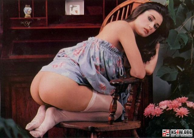 Demi Moore nude photo shoot at 18yrs old - 21