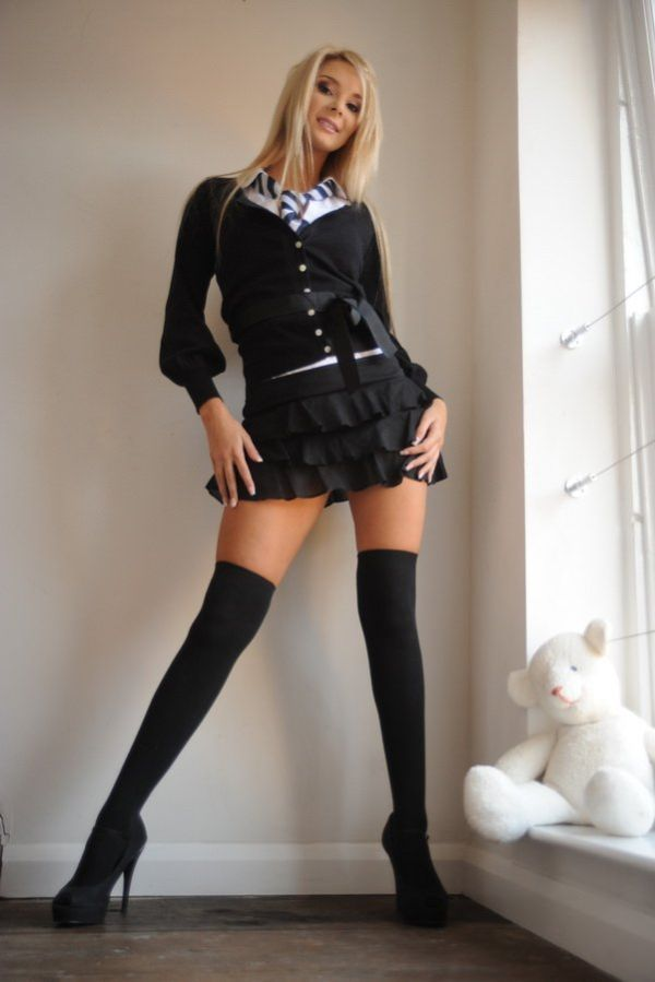 Charming blonde wearing a tie - 07