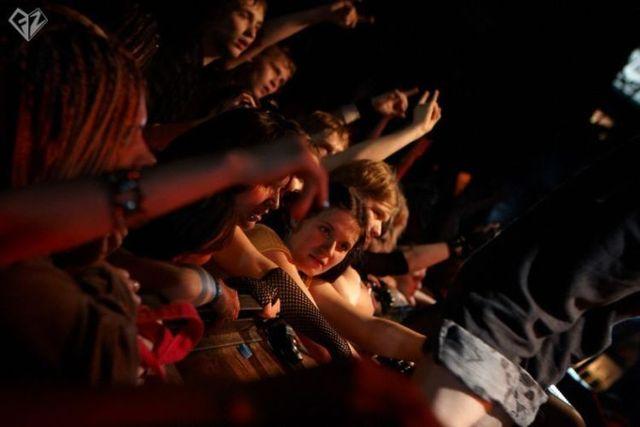 Crazy fans - 00