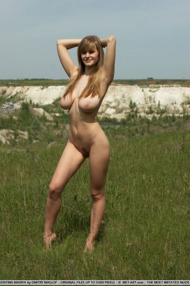 Girl with natural forms - 08