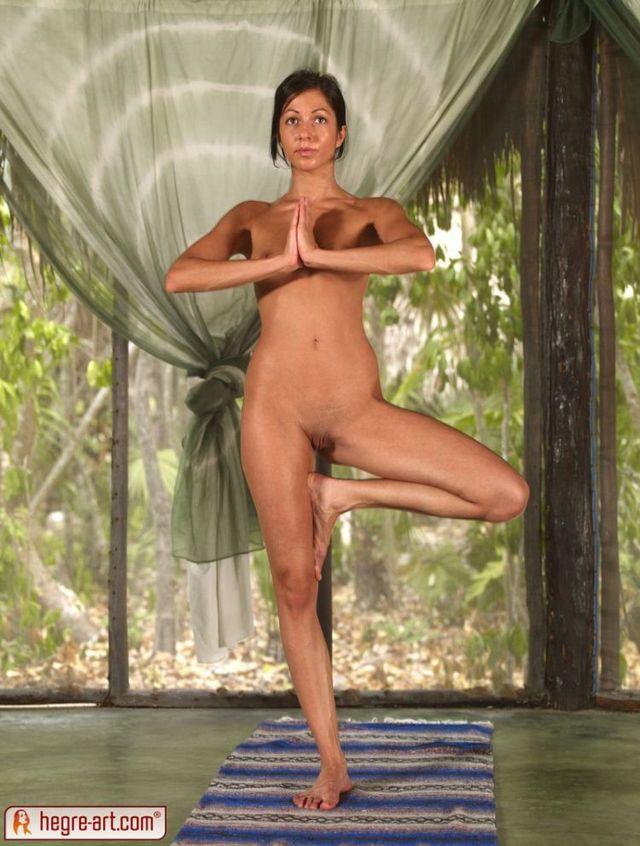 Nude yoga class - 11
