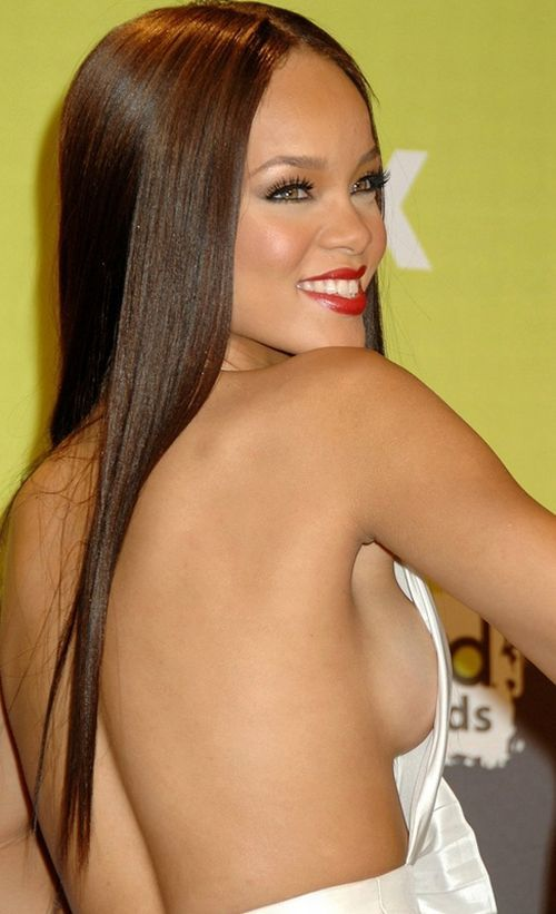 Celebrity side boobs - 35