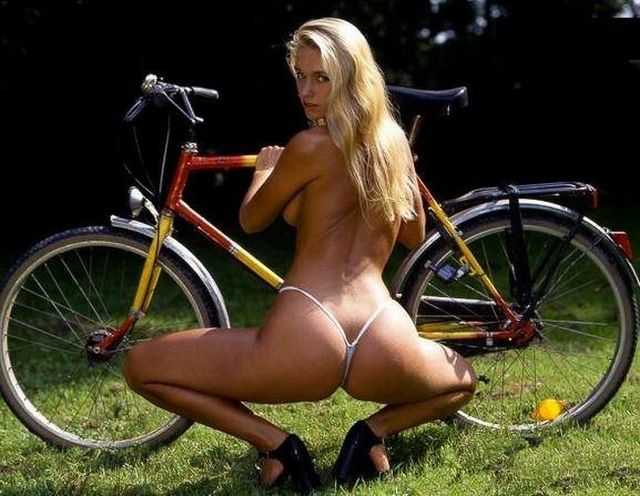 Girls and bicycles - 09