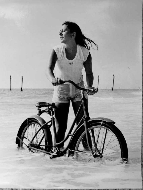 Girls and bicycles - 12
