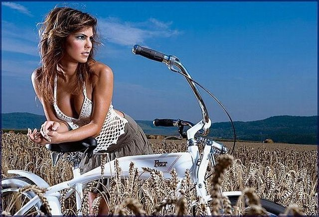 Girls and bicycles - 32
