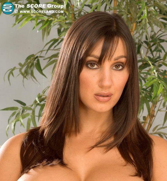 Rukshana's huge boobs and long sexy legs - 00
