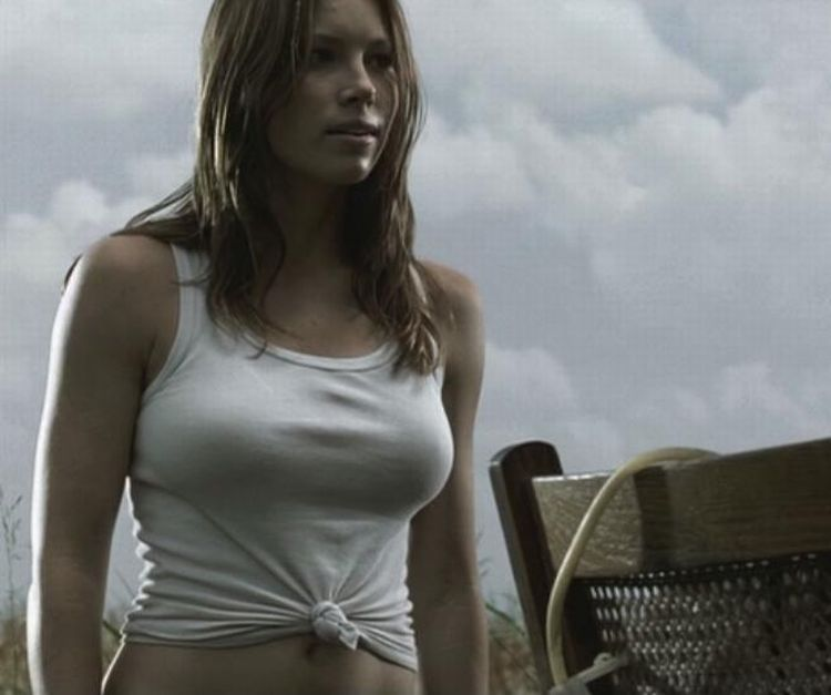 Beautiful Jessica Biel - 17