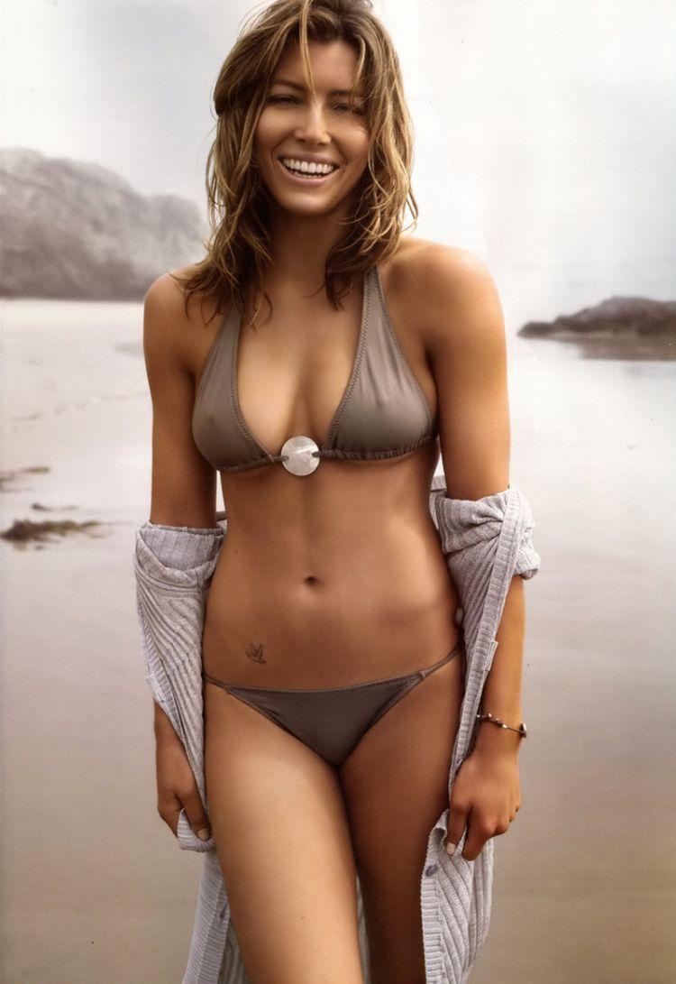 Beautiful Jessica Biel - 27
