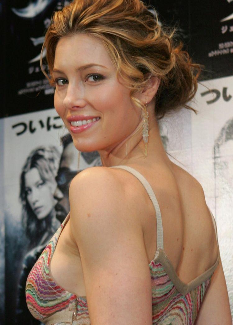Beautiful Jessica Biel - 28