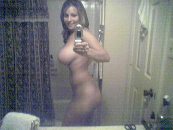 Girls take pictures of themselves. Excellent compilation! - 05