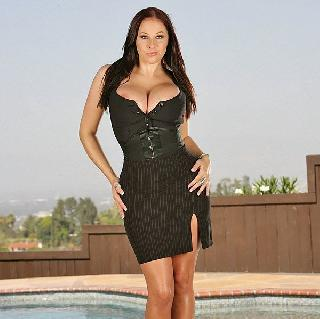 Two cool photo shoots of Gianna Michaels. Her breasts are gorgeous