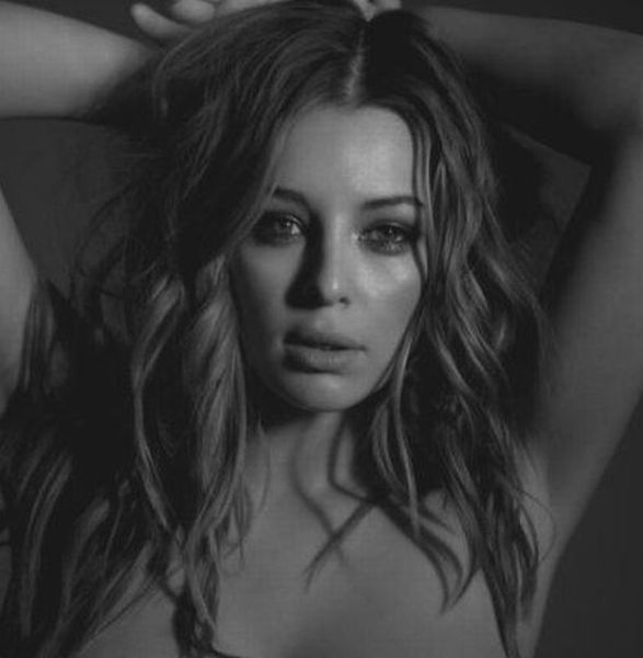 Glamour model Keeley Hazell in a black and white photo shoot - 00