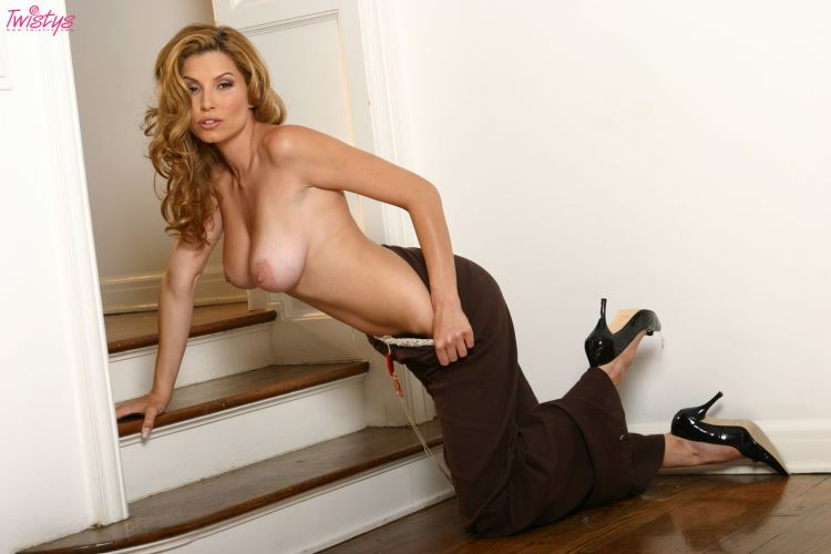 Jamie Lynn a beauty with natural breasts - 06
