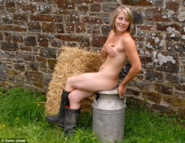 English farm girls had a nude photo shoot for charity calendar - 05