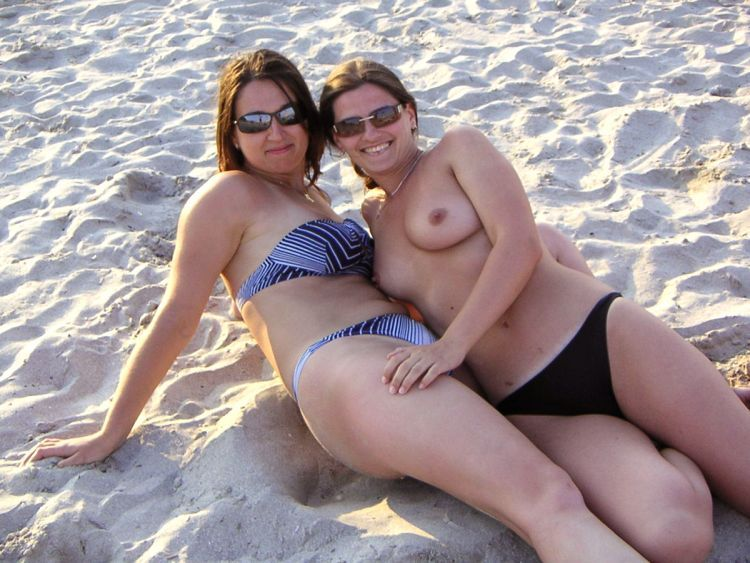 Girls like to be photographed topless on the beach - 20