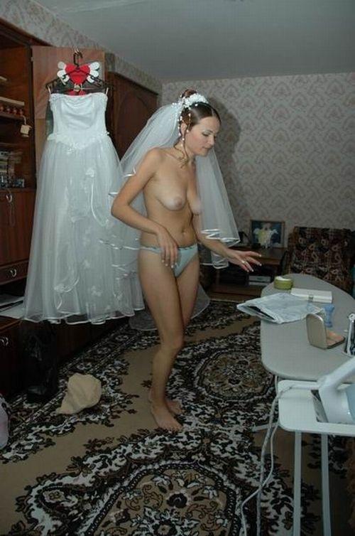 Naked Bride - 04