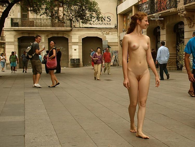Walking naked on a busy street. Apparently, the girl has no complexes ;) - 02