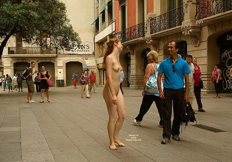 Walking naked on a busy street. Apparently, the girl has no complexes ;) - 03