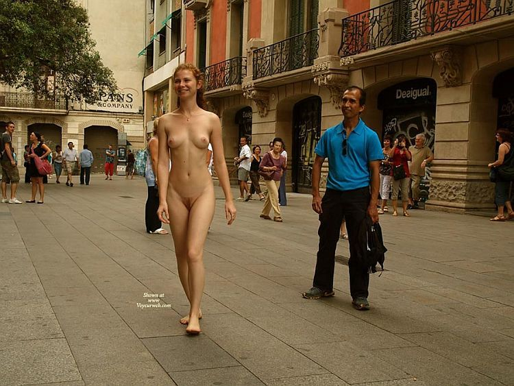 Walking naked on a busy street. Apparently, the girl has no complexes ;) - 04