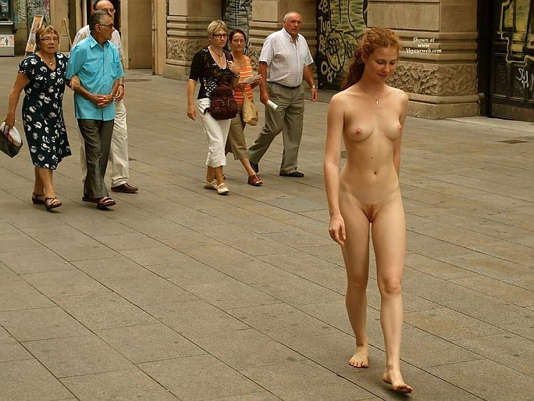 Walking naked on a busy street. Apparently, the girl has no complexes ;) - 06