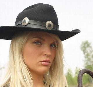 Ines Cunda in the image of a sexy 'cowgirl'