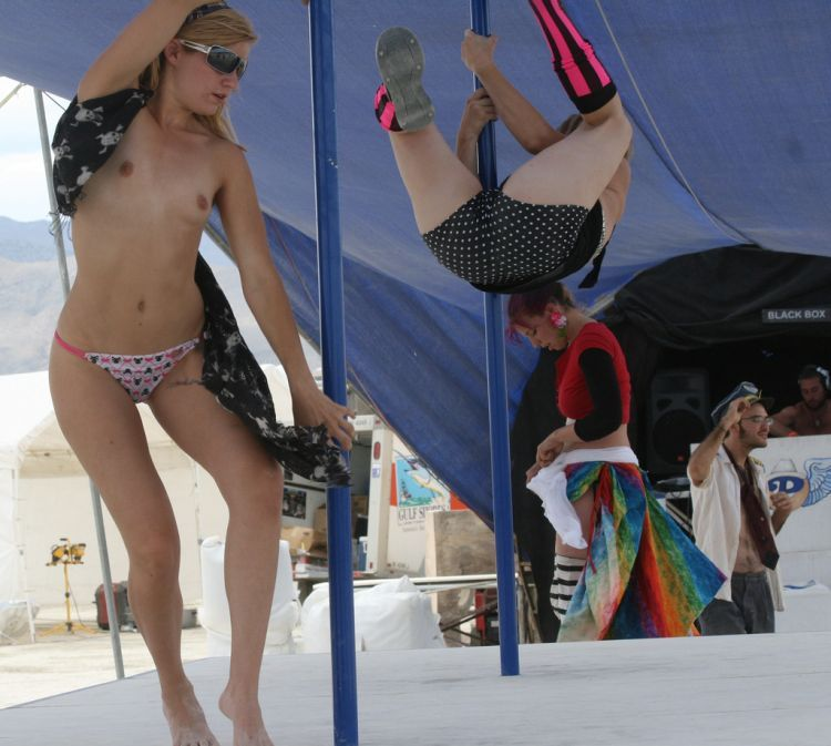 Girls from Burning Man Festival 2009 - 09